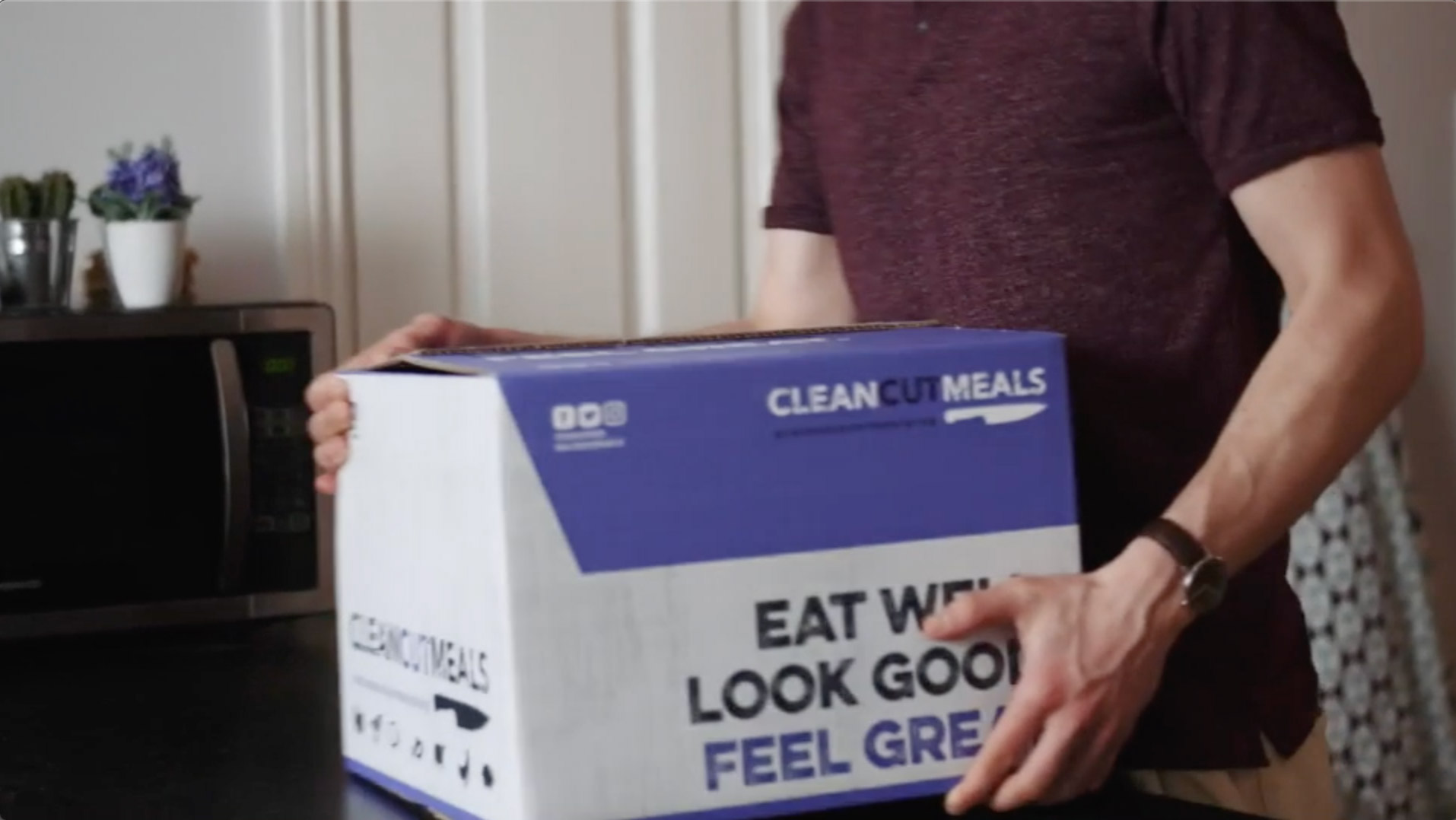 Customer receiving an order from clean cut meals